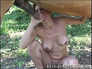 Busty wife appears throatng huge horse dick in insane outdoor xxx